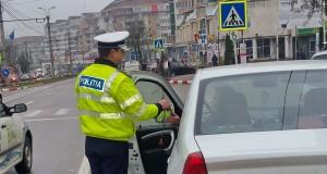 La drum, cu  permisul reținut și cu autorizaţia provizorie de circulaţie a vehiculului  expirată