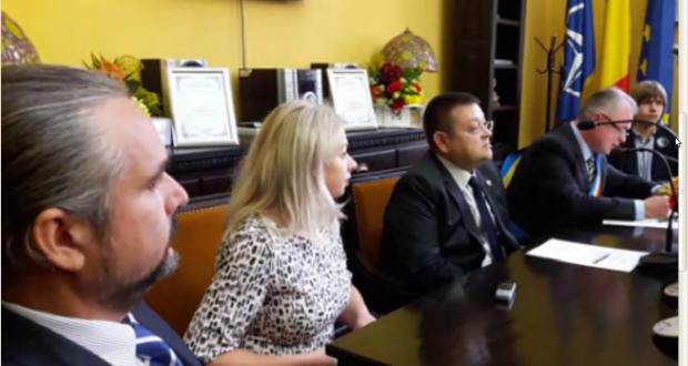 De Ziua Educației, elevul Ştefan Bălăucă şi profesorul Grigore Luisian  au devenit Cetăţeni de onoare ai Municipiului Botoşani
