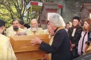 La Biserica Sf. Gheorghe a fost adusă Racla cu moaștele Sfântului