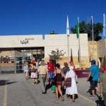 Pelerinii botoșăneni intrând în Citadela de la Petra-Iordania