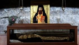 La moaştele Sf. Ioan Iacob, în obștea mănăstirii Sfântul Gheorghe Hozevitul din pustiul Hozeva