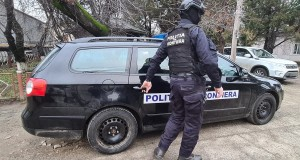 Percheziții la doi agenți de poliție de frontieră suspectați de săvârșirea unor fapte penale