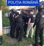 Patru tineri din comuna Corni, reținuți  de polițiști