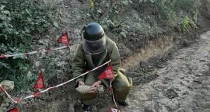 O bombă de aruncător, calibru 82 mm, a fost descoperită pe raza localității Rediu, comuna Răuseni